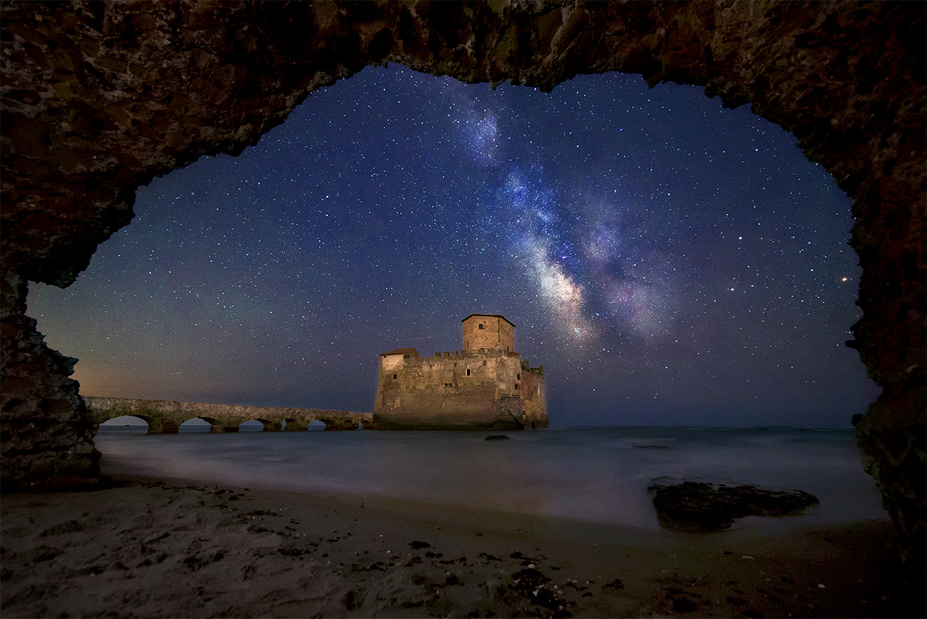 Nightscape Torre Astura via lattea Milky way