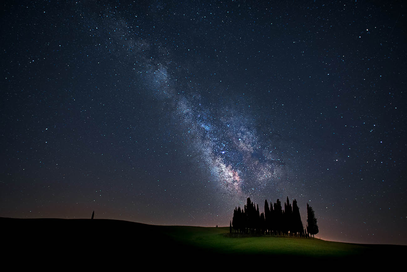 Night scape San Quirico d' Orcia milky way